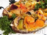 Рецепта Лодчици от патладжани пълнени с гъби, чушки и топено сирене на фурна